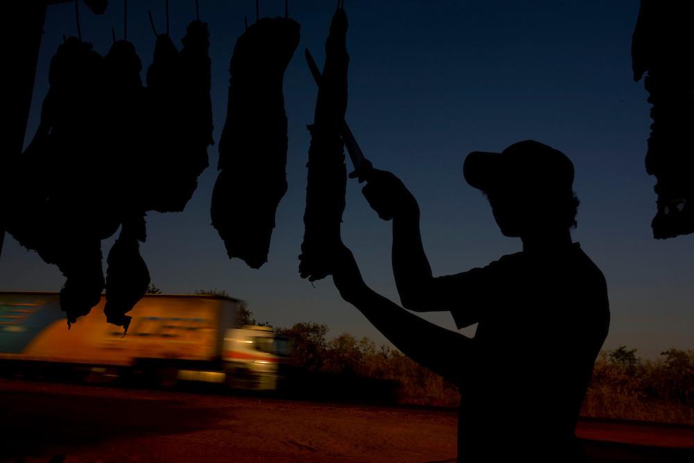 Bocaiuva_MG, Brazil.<br /> <br /> Felipe Rodrigues  vendendo carne de sol na beira da BR 135, em Bocaiuva, Minas Gerais.<br /> <br /> Felipe Rodrigues selling carne de sol on Highway BR 135 in Bocaiuva, Minas Gerais.<br /> <br /> Foto: LEO DRUMOND / NITRO