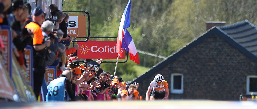 20-04-2016: Wielrennen: Waalse Pijl vrouwen: Huy    HUY (BEL) cycling    The Fleche Wallomne is the last springrace in the Womens Worldtour.  Anna van der Breggen wins for the second year on a row the race