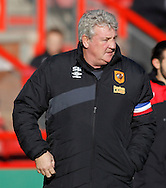 Steve Bruce of Hull City during the Sky Bet Championship match at Ashton Gate, Bristol<br /> Picture by Mike Griffiths/Focus Images Ltd +44 7766 223933<br /> 21/11/2015