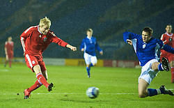 LEICESTER, ENGLAND - Tuesday, January 12, 2010: Liverpool's Lauri Dalla Valle scores his third goal, the Reds' fourth, against Leicester City during the FA Youth Cup 4th Round match at the Walkers Stadium. (Photo by David Rawcliffe/Propaganda)