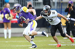 20.06.2015, Hohe Warte, Wien, AUT, AFL, AFC Vikings Vienna vs Prag Panthers, im Bild Dominik Bundschuh (AFC Vienna Vikings, WR/QB, #3) und Leos Mikulka (Prague Panthers, #12) // during the Austrian Football League game between AFC Vikings Vienna and Prague Panthers at the Hohe Warte, Wien, Austria on 2015/06/20. EXPA Pictures © 2015, PhotoCredit: EXPA/ Thomas Haumer
