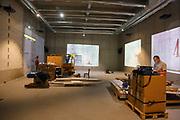 Mannheim. 08.11.17 | Zum Neubau Kunsthalle<br /> Innenstadt. Kunsthalle. Pressegespräch zum Neubau der Neuen Kunsthalle. Die Eröffnung der Neuen Kunsthalle im Dezember nur mit Skulpturen - keine Gemälde wegen technischen Verzögerungen.<br /> <br /> <br /> <br /> <br /> BILD- ID 01578 |<br /> Bild: Markus Prosswitz 08NOV17 / masterpress (Bild ist honorarpflichtig - No Model Release!)