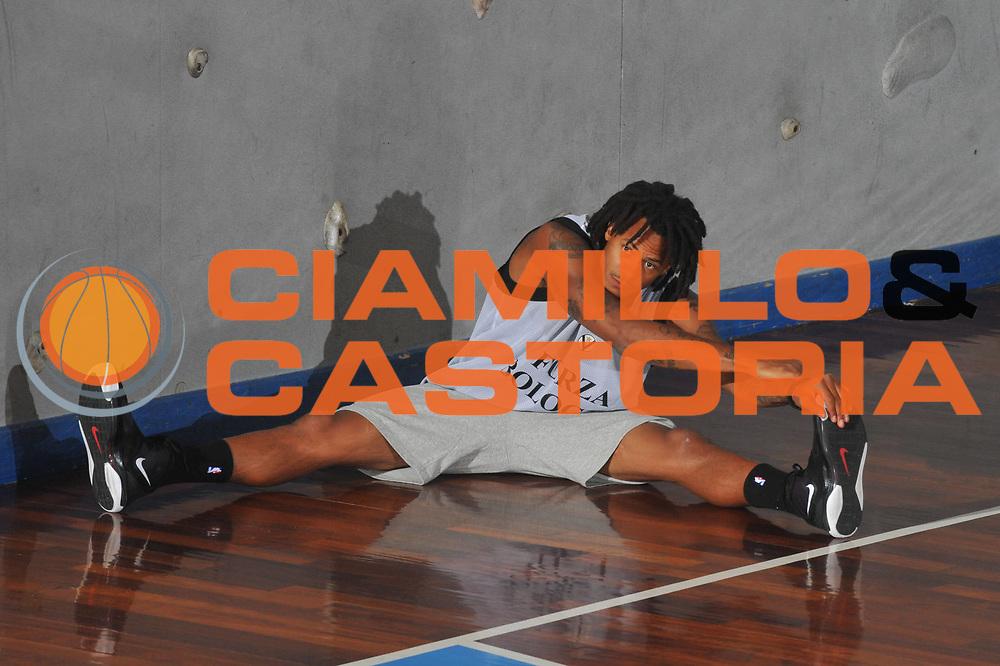 DESCRIZIONE : San Vito di Cadore Lega A 2009-10 Virtus Bologna Raduno e primi allenamenti<br /> GIOCATORE : David Moss<br /> SQUADRA : Virtus Bologna<br /> EVENTO : Campionato Lega A 2009-2010 <br /> GARA : <br /> DATA : 28/08/2009<br /> CATEGORIA : Allenamento <br /> SPORT : Pallacanestro <br /> AUTORE : Agenzia Ciamillo-Castoria/M-Gregolin<br /> Galleria : Lega Basket A 2009-2010 <br /> Fotonotizia : San Vito di Cadore Lega A 2009-10 Virtus Bologna Raduno e primi allenamenti<br /> Predefinita :
