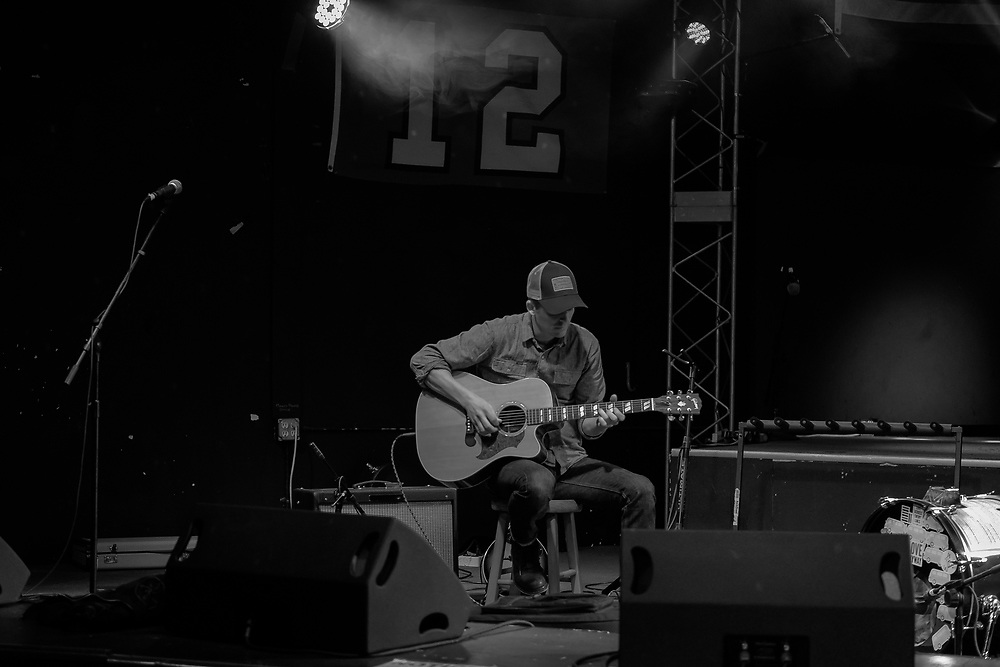 Andy Landers plays a set at Louie G's in Fife, WA January 13, 2018. Photo by Aric Becker
