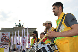 August 26, 2017 - Berlin, Germany - Several hundreds of exiled Iranians supporters of the National Council of Resistance of Iran (NCRI), near Brandenburg Gate, Berlin on Saturday 26, August 2017 draw attention to the situation of more than 20 hunger strike political prisoners, who were forcibly moved to high security Ward 10 of Gohardasht prison in Karaj. Exiled Iranians call on the German Federal Government and the EU to summon the Iranian ambassador and protest against the repression on the political prisoners in Iran. (Credit Image: © Siavosh Hosseini/NurPhoto via ZUMA Press)