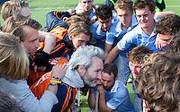 EINDHOVEN - Teleurstelling bij Bloemendaal met in het midden coach Russell Garcia na de finale play off wedstrijd tussen de mannen van Oranje-Zwart en Bloemendaal. OZ wint de titel. ANP KOEN SUYK