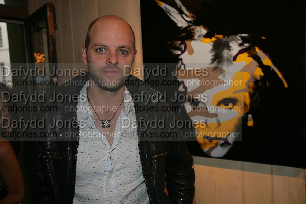 GAVIN TURK, Gavin Turk, in the exhibition Me as Him re-works Andy Warhol's final self-portraits, Riflemaker Gallery. Beak st. London. 2 July 2007.  -DO NOT ARCHIVE-© Copyright Photograph by Dafydd Jones. 248 Clapham Rd. London SW9 0PZ. Tel 0207 820 0771. www.dafjones.com.