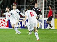Fotball / Soccer<br /> Play off VM 2006 / Play off World Champio0nships 2006<br /> Tsjekkia v Norge 1-0<br /> Czech Republic v Norway 1-0<br /> Agg: 2-0<br /> 16.11.2005<br /> Foto: Morten Olsen, Digitalsport<br /> <br /> Tomas Rosicky (10) celebrating his goal - together with Pavel Nedved and Marek Jankulovski (6).