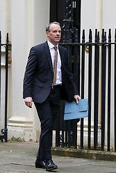 © Licensed to London News Pictures. 23/01/2020. London, UK. Foreign SecretaryDOMINIC RAAB in Downing Street as Prime Minsetr Boris Johnson will meet NAZANIN ZAGHARI-RATCLIFFE'S husband RICHARD, with his mother, BARBARA and daughter GABRIELLA. Photo credit: Dinendra Haria/LNP