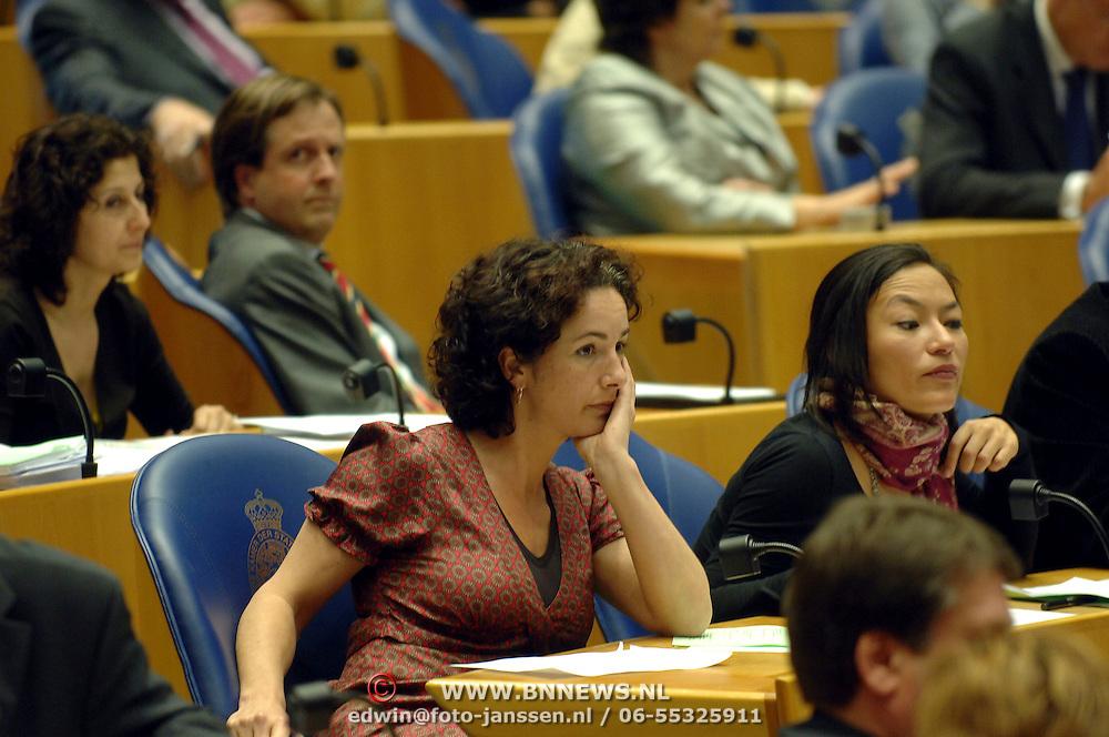 NLD/Den Haag/20070412 - Visit of Mr. Hans-Gert Pöttering, president of the European parliament to The Hague, visiting the second chamber of the Dutch parliament, chamber member Femke Halsema.  ** foto + verplichte naamsvermelding Brunopress/Edwin Janssen  **
