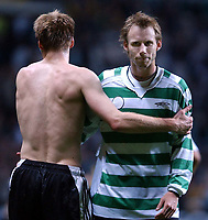 Fotball: UEFA Champions league 2001/2002. Celtic v Rosenborg, Champions League, Celtic park, Glasgow.<br />Erik Hoftun(left) commiserates with Ole Christer Basma after the final whistle