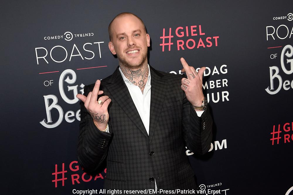 Rode loper Roast of Giel.  In het programma van Comedy Central is een bekende Nederlander een avond lang het onderwerp van harde grappen.<br /> <br /> Op de foto:  Jebroer - Timothy Kimman