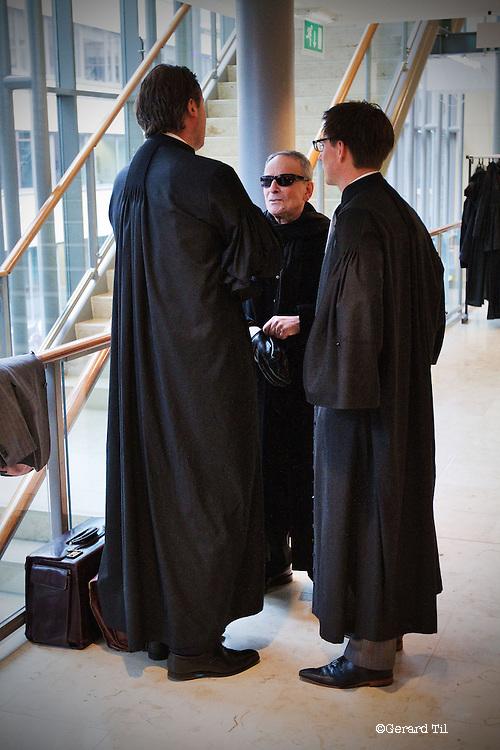 Nederland, Haarlem, 06-11-2012 - Nico Vijsma met advocaten voor start van een zitting in de Klimop Vastgoedfraudezaak. FOTO: Gerard Til / Hollandse Hoogte