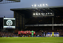 Manchester United and Everton players take part in a minutes silence in memory of the Brazilian club Chapecoense - Mandatory by-line: Matt McNulty/JMP - 04/12/2016 - FOOTBALL - Goodison Park - Liverpool, England - Everton v Manchester United - Premier League