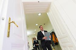 13.10.2015, Parlamentsklub, Wien, AUT, FPÖ, Pressekonferenz nach Landes- und Bundesparteivorstand anlässlich der Wien-Wahl 2015, im Bild Klubobmann FPÖ Heinz-Christian Strache // Leader of the parliamentary group FPOe Heinz Christian Strache during press conference of the austrian freedom party after board meeting according to city council election in Vienna, Austria on 2015/10/13. EXPA Pictures © 2015, PhotoCredit: EXPA/ Michael Gruber