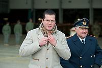 """30 NOV 2010, JAGEL/GERMANY:<br /> Karl-Theodor zu Guttenberg (L), CSU, Bundesverteidigungsminister, und Generalleutnant Aarne Kreuzinger-Janik (R), Inspekteur der Luftwaffe, nach einem Appell anl. der Rueckkehr der in Afghanistan eingesetzten RECCE TORNADO Aufklaerungsjets, Aufklaerungsgeschwader 51 """"Immelmann"""", Fliegerhorst Jagel<br /> IMAGE: 20101130-01-041<br /> KEYWORDS: Bundeswehr, Armee, Luftwaffe"""
