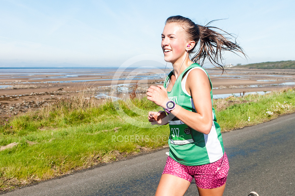 Action from the Scottish Half Marathon, 19 September 2015. Photo: Paul J Roberts / RobertsSports Photo. All Rights Reserved