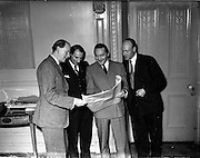 11/11/1952<br />