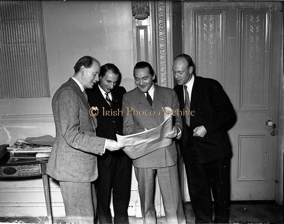 11/11/1952<br /> 11/11/1952<br /> 11 November 1952<br /> Advertising Press Club Lecture at the Shelbourne Hotel, Dublin. Pictured are (l-r): Mr Gordon Clark, Chairman; Mr Michael Scott, M.I.A.A. (lecturer); Mr P.D.M. Rackow, Vice-Chairman and W.G. King.
