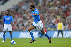 17-09-2006 VOETBAL: PSV - FEYENOORD: EINDHOVEN <br /> PSV verslaat in eigen huis Feyenoord met 2-1 / Pierre van Hooijdonk<br /> &copy;2006-WWW.FOTOHOOGENDOORN.NL