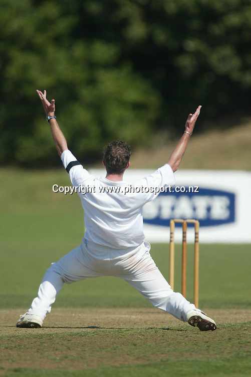 Iain O'Brien appeals during the State Championship cricket match between the Auckland Aces and Wellington Firebirds at Colin Maiden Park, Auckland, 26 March, 2002. Photo: Sandra Teddy/PHOTOSPORT<br />