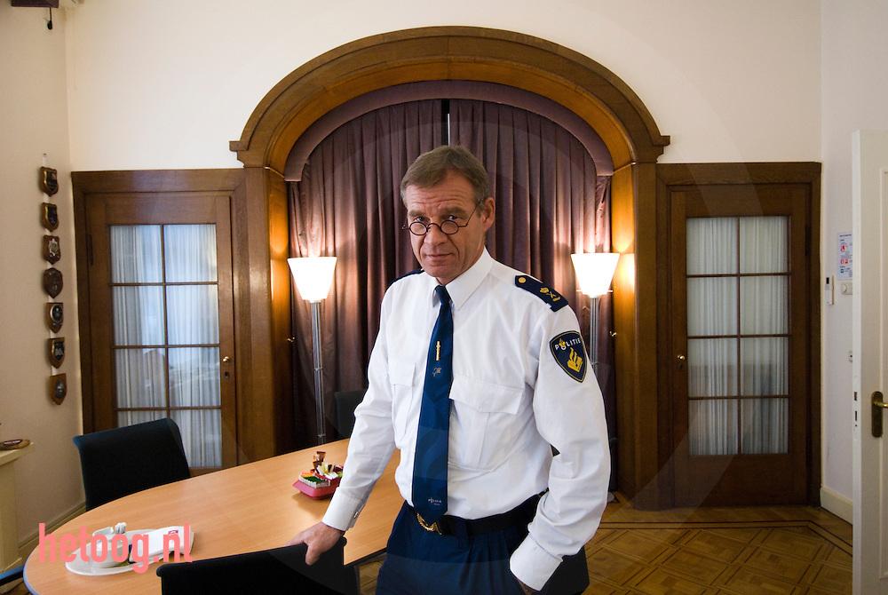 piet deelman korpschef van politie enschede