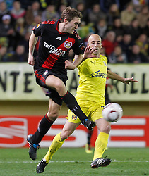 17.03.2011, El Madrigal, Villarreal, ESP, UEFA EL, FC Villarreal vs Bayer 04 Leverkusen, im Bild Villareal's Borja Valero (r) and Bayer 04 Leverkusen's Lars Bender during UEFA Europa League match.March 17,2011. . EXPA Pictures © 2011, PhotoCredit: EXPA/ Alterphotos/ Acero +++++ ATTENTION - OUT OF SPAIN / ESP +++++