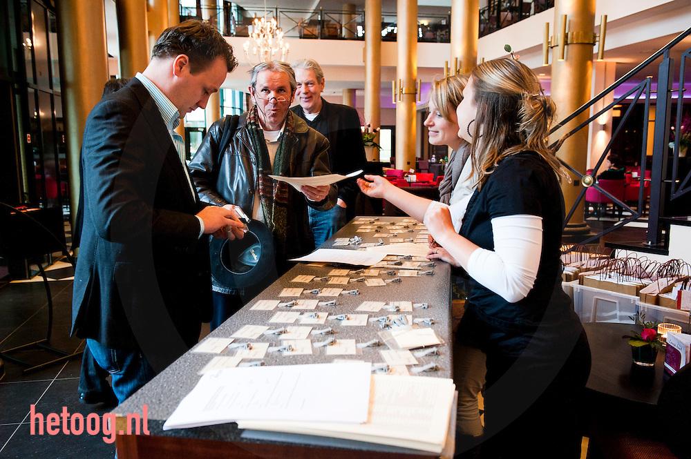 Nederland,Almelo overmorgen debat theaterhotel almelo