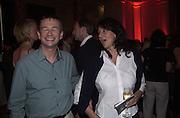 Sebastian Conran and Julie Lynn-Evans. Creative Industries 150th Anniversary. V. & A. 16 May 2002. © Copyright Photograph by Dafydd Jones 66 Stockwell Park Rd. London SW9 0DA Tel 020 7733 0108 www.dafjones.com