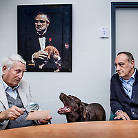 Nederland, Wessem, 27 april 2016.<br />de 78-jarige priv&eacute;-detective Ben Zuidema, eigenaar van een eigen recherchebureau in Wessem. Hij praat over zijn avonturen als speurneus, maar vertelt ook over zijn drie grote liefdes: zijn vrouw, zijn hond en zijn Porsche.<br />Op de foto: Ben Zuidema met zijn hond en rechts collega John Vullers<br /><br /><br />Foto: Jean-Pierre Jans
