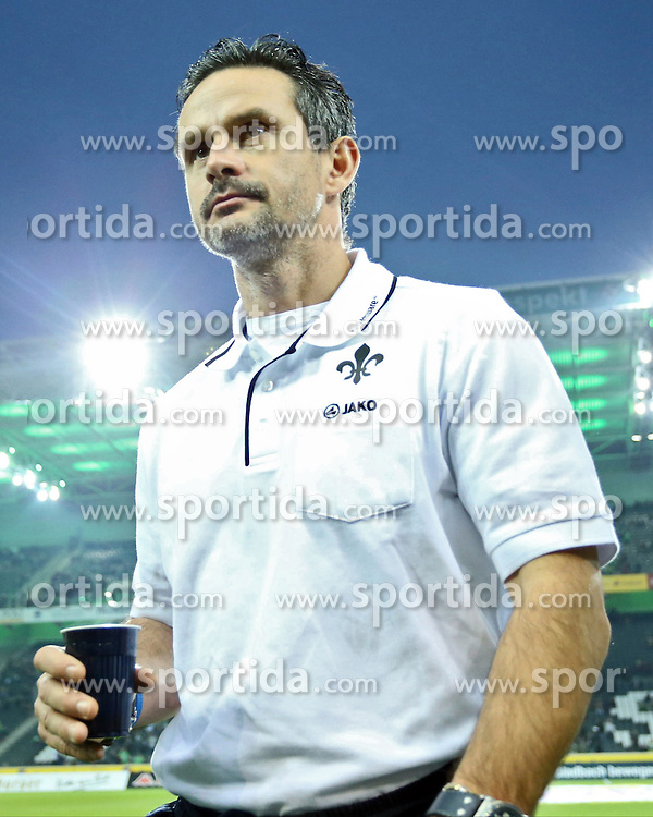 20.12.2015, Stadion im Borussia Park, Moenchengladbach, GER, 1. FBL, Borussia Moenchengladbach vs SV Darmstadt 98, 17. Runde, im Bild Dirk Schuster (Trainer, SV Darmstadt 98) // during the German Bundesliga 17th round match between Borussia Moenchengladbach andSV Darmstadt 98 at the Stadion im Borussia Park in Moenchengladbach, Germany on 2015/12/20. EXPA Pictures &copy; 2015, PhotoCredit: EXPA/ Eibner-Pressefoto/ Deutzmann<br /> <br /> *****ATTENTION - OUT of GER*****