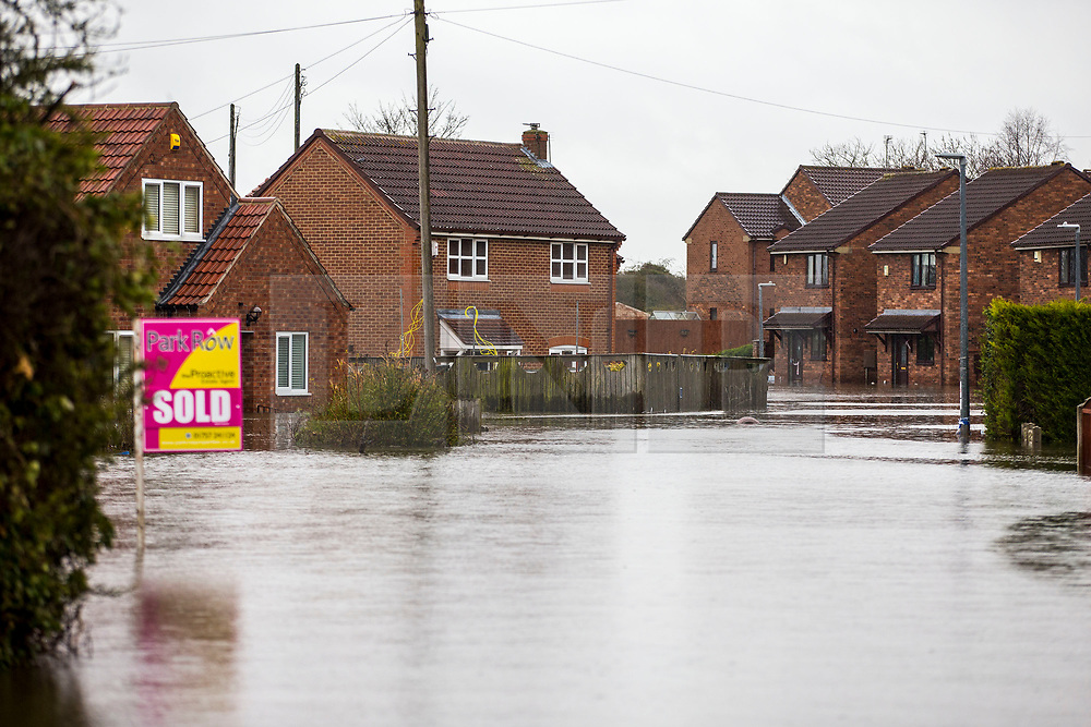 © Licensed to London News Pictures. 28/02/2020. Snaith UK. Flooded houses in Snaith where residents have been evacuated from flood water in Yorkshire as the UK prepares for storm Jorge. Photo credit: Andrew McCaren/LNP