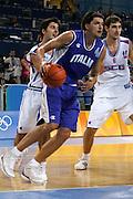ATENE, 17 AGOSTO 2004<br /> OLIMPIADI ATENE 2004<br /> BASKET <br /> ITALIA - SERBIA E MONTENEGRO <br /> NELLA FOTO: NIKOLA RADULOVIC<br /> FOTO CIAMILLO