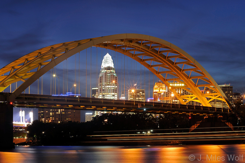 "Cincinnati Skyline and theDaniel Carter Beard ""Big Mac"" Bridge."