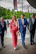 UTRECHT - Koning Willem-Alexander en koningin Maxima op de tribune tijdens de openingswedstrijd van WEURO2017, het EK voetbal vrouwen.  copyright robin utrecht <br /> UTRECHT - King Willem-Alexander and Queen Maxima in the stand during the opening contest of WEURO2017, the EK football women. Copyright robin utrecht