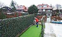 AMERSFOORT - Golf in de achtertuin. bij Axel van Vernooij.  COPYRIGHT KOEN SUYK
