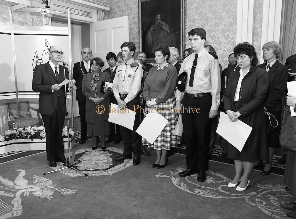 28/10/1985<br /> 10/28/1985<br /> 28 October 1985<br /> Launch of Gaisce The Presidents Award at Aras an Uachtarain. President Dr. Patrick Hillery launched the new national youth award scheme to be the nations highest award to Irish young people aged 15-25. Picture shows President Hillery launching the award with the first participants on the right.