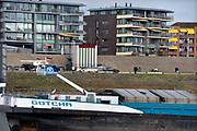 Nederland, the netherlands, Lobith, 21-10-2018 Het officiele waterpeilmeetstation waar de rijn ons land binnenkomt, gezien vanaf een binnenvaartschip. De stand staat op 6,53 meter . Laagst gemeten stand ooit. De hoogste stand was in 1925 met 16,93 meter . Foto: Flip Franssen