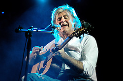 John Parr back in Worksop The Circle Theatre.6th December 2006.Copyright Paul David Drabble