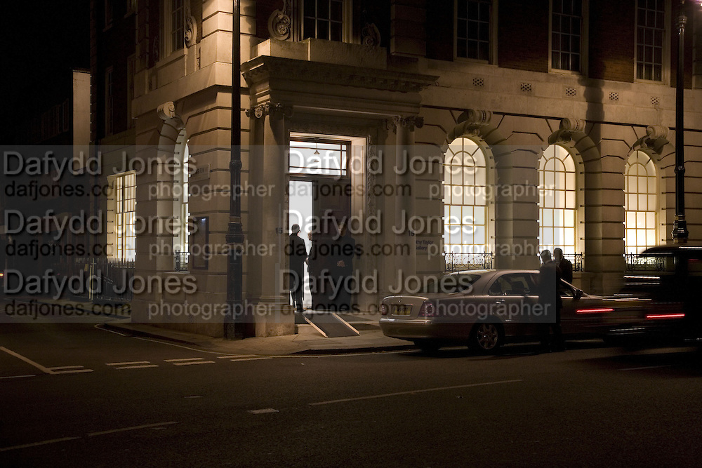 Alex Katz 'One Flight Up' at the new Timothy Taylor Gallery , 15 Carlos Place. London. 11 October 2007. -DO NOT ARCHIVE-© Copyright Photograph by Dafydd Jones. 248 Clapham Rd. London SW9 0PZ. Tel 0207 820 0771. www.dafjones.com.