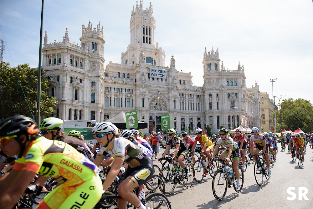 Race gets underway at Madrid Challenge by La Vuelta an 87km road race in Madrid, Spain on 11th September 2016.