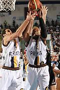 DESCRIZIONE : Porto San Giorgio Lega A1 2008-09 Premiata Montegranaro Eldo Caserta<br /> GIOCATORE : Brandon Hunter<br /> SQUADRA : Premiata Montegranaro<br /> EVENTO : Campionato Lega A1 2008-2009<br /> GARA : Premiata Montegranaro Eldo Caserta<br /> DATA : 20/12/2008<br /> CATEGORIA : Rimbalzo<br /> SPORT : Pallacanestro<br /> AUTORE : Agenzia Ciamillo-Castoria/C.De Massis