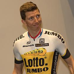 08-01-2016: Wielrennen: Presentatie Lotto Jumbo: Den Bosch<br />'s-HERTOGENBOSCH (NED) wielrennen<br />Team Lotto-Jumbo werd gepresenteerd op het HQ van Brand Loyalty<br />Sepp Vanmarcke