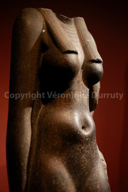 Female Torso, Anciant Egypt, Kunsthistorisches Museum, Vienna, Austria // Buste feminin, departement des antiquites egyptiennes, Kunsthistorisches Museum, Vienne, Autriche