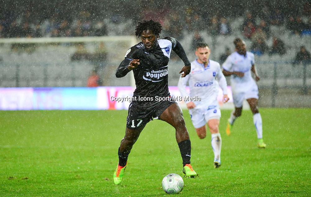 Seydou KONE   - 19.12.2014 - Auxerre / Niort - 18e journee Ligue 2<br /> Photo : Dave Winter / Icon Sport