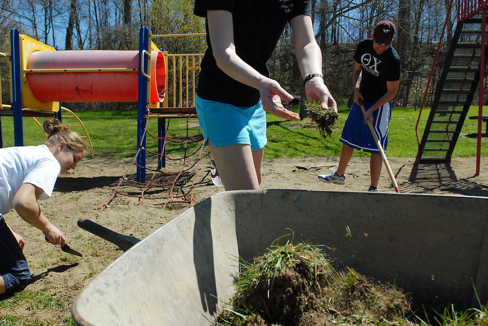 Members of Student Senate, Sharon Curry, Morgan Allen, and Matt Bell, helped to clean up the playground at Highland Park on Saturday. Their efforts were part of the Athens Beautification Day 2007.