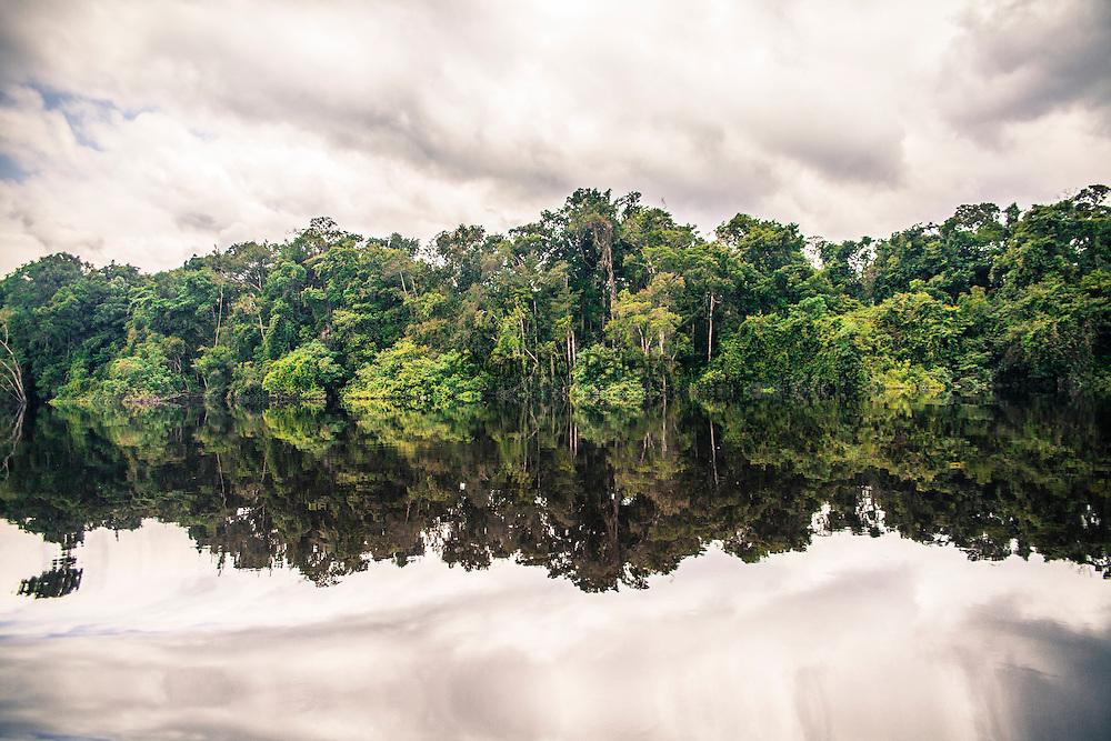 Navigation along the Rio Negro, Amazonia, near the border between Brazil, Colombia and Venezuela