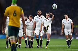 George Ford of England kicks for touch - Mandatory byline: Patrick Khachfe/JMP - 07966 386802 - 03/10/2015 - RUGBY UNION - Twickenham Stadium - London, England - England v Australia - Rugby World Cup 2015 Pool A.