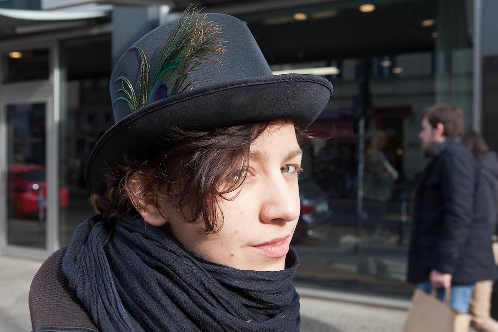 Germany - Deutschland - BERLIN STREET STYLE, Fashion; HERE: Gina Hortenbach, 23;        11.03.2011; © Christian Jungeblodt