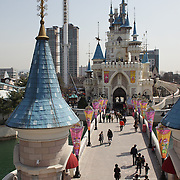 The outdoor amusement park at Lotte World. Lotte World is the world's largest indoor theme park which includes shopping malls, a luxury hotel, and an Ice rink. Opened on July 12, 1989, Lotte World receives over 8 million visitors each year. Seoul, South Korea. 21st March 2012. Photo Tim Clayton